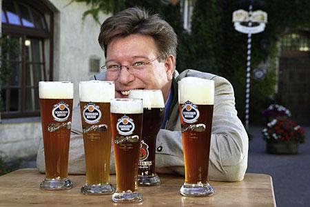 Brauereichef von Schneider Weisse mit Portfolioausschnitt
