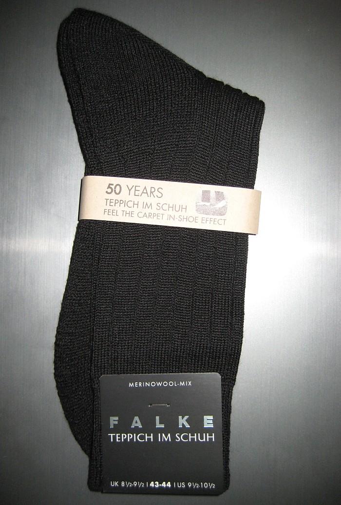 Paar Falke Teppich im Schuh Socken
